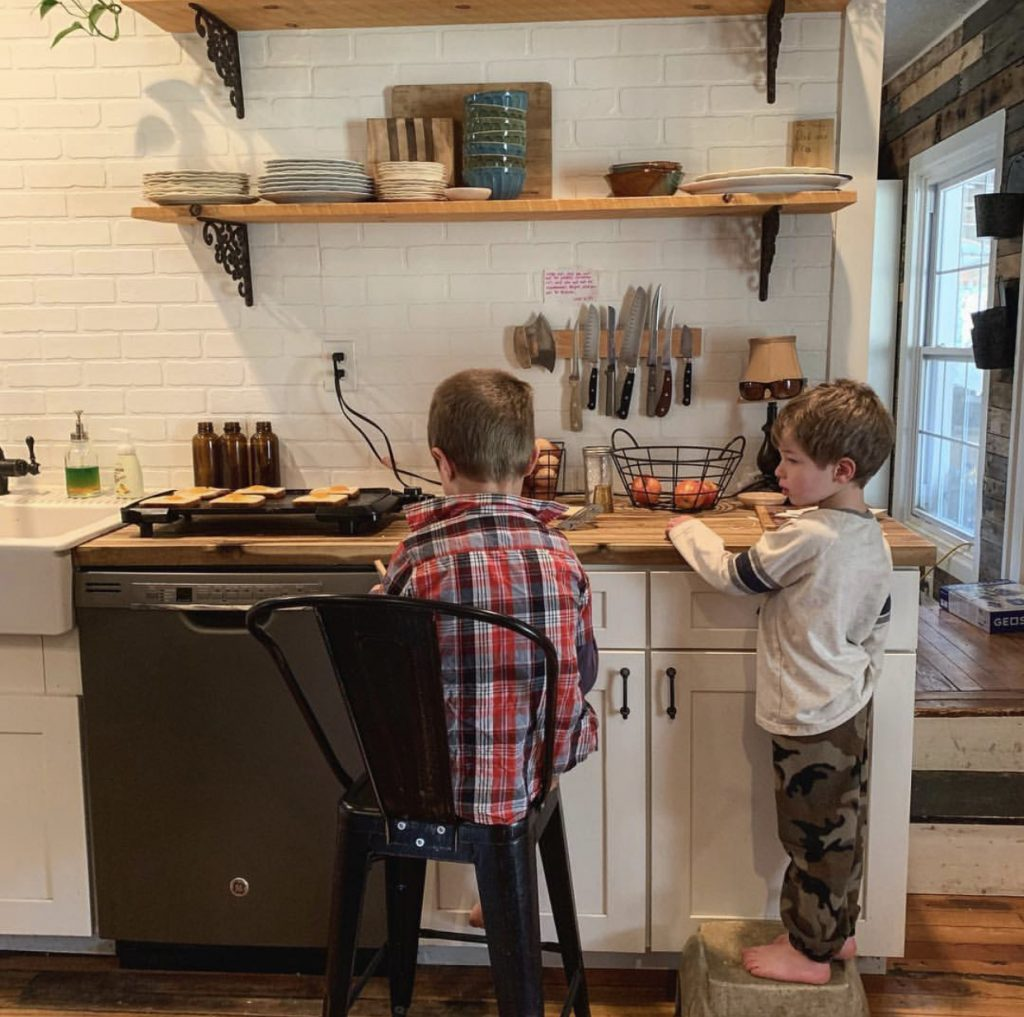 A Day in the Life of Homeschool Mama Molly